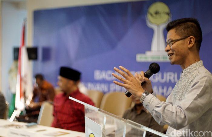 Wakil Bendahara Umum Badan Pengurus Pusat Himpunan Pengusaha Muda Indonesia (BPP HIPMI), Ajib Hamdani salah satu yang melakukan proses pendaftaran untuk menjadi orang nomer satu di kumpulan pengusaha muda tersebut.