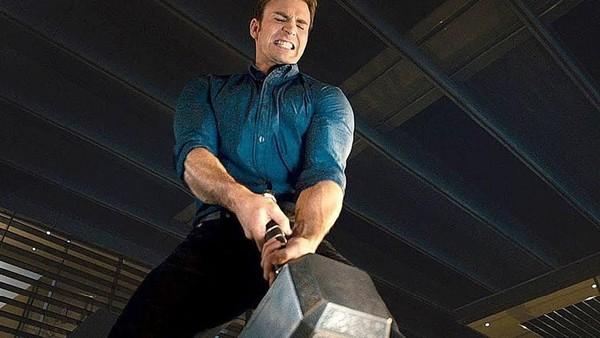 Captain America Tak Ingin Permalukan Thor Soal Bisa Angkat Mjolnir