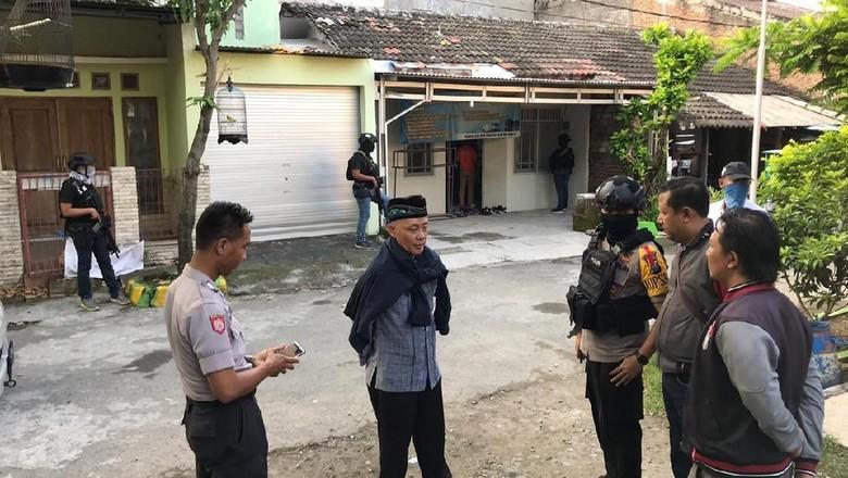 Terduga Teroris yang Ditangkap Densus 88 Baru 2 Bulan di Gresik