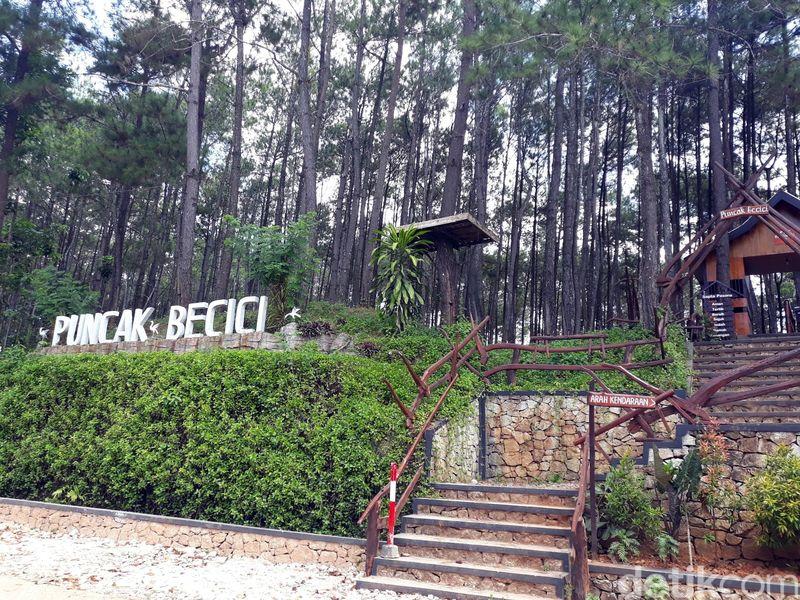 Memasuki pekan kedua bulan Ramadhan, jumlah pengunjung di Puncak Becici, Kecamatan Dlingo, Kabupaten Bantul mengalami penurunan. Penurunannya mencapai 30%. (Pradito/detikcom)