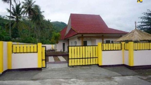 Pemerintah telah menyelesaikan renovasi rumah lama dan pembangunan rumah baru untuk Lalu Muhammad Zohri.
