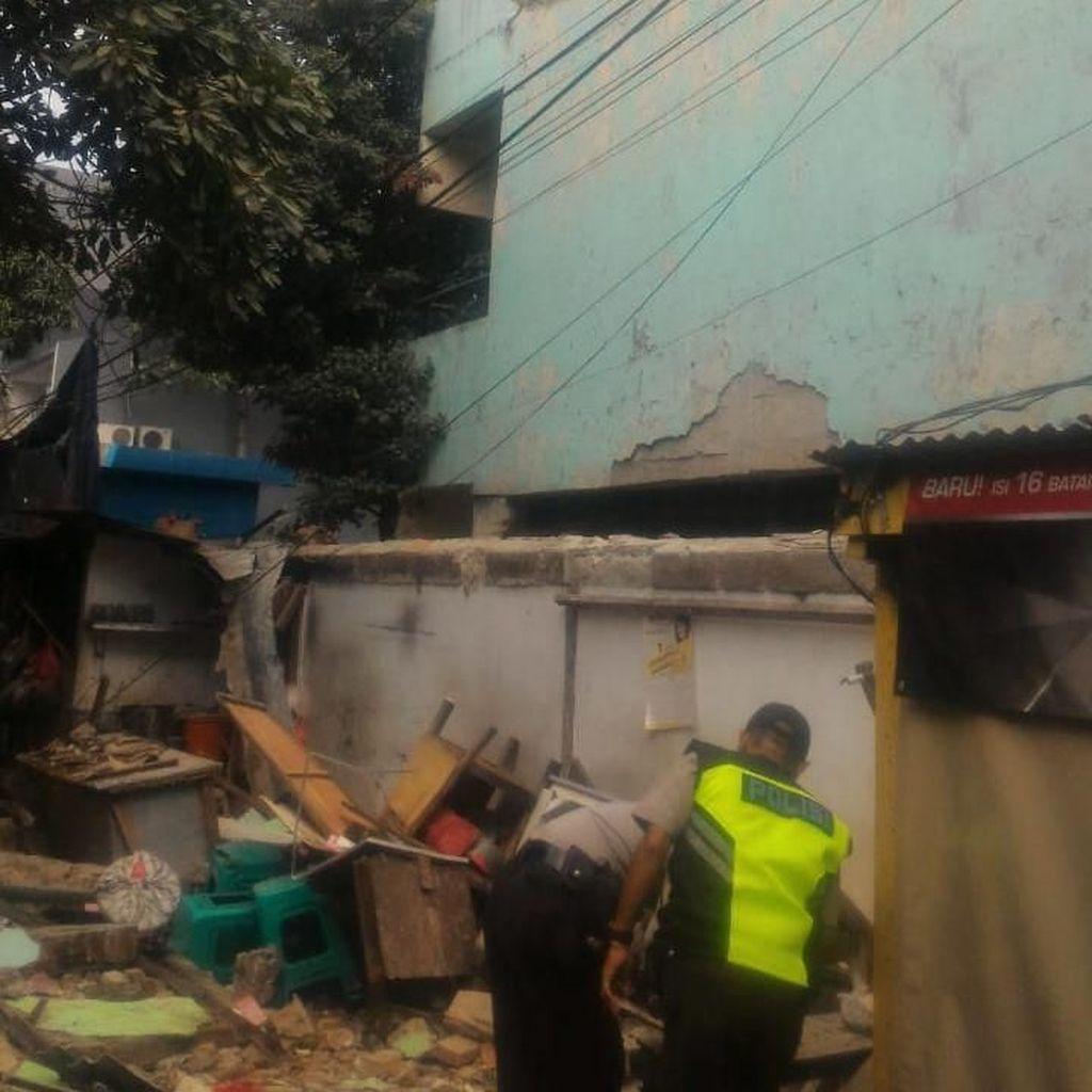 Polisi Duga Ada Kelalaian Terkait Robohnya Tembok SD di Sawah Besar