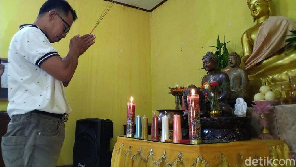 Umat Buddha di Ponorogo Tunda Silaturahmi Waisak untuk Hormati Muslim