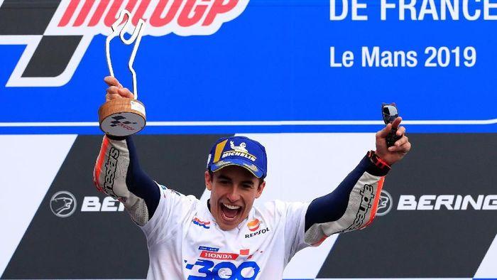 Kehadiran Jorge Lorenzo memaksa Marc Marquez terus menjaga level penampilannya (Foto: Gonzalo Fuentes/Reuters)