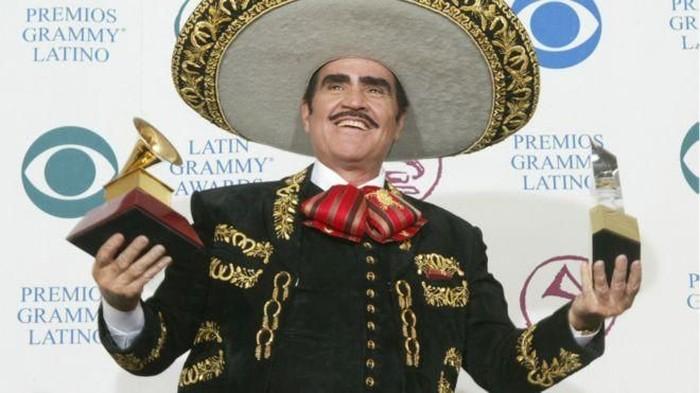 Vicente Fernandez yang menolak transplantasi hati karena takut donornya gay. Foto: BBC