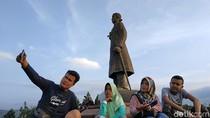 Asyiknya Ngabuburit di Monumen Jenderal Sudirman Pacitan