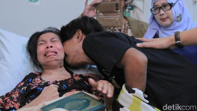 Haru, Pertemuan Aminah TKW Tanpa Identitas yang Strok dengan Keluarganya
