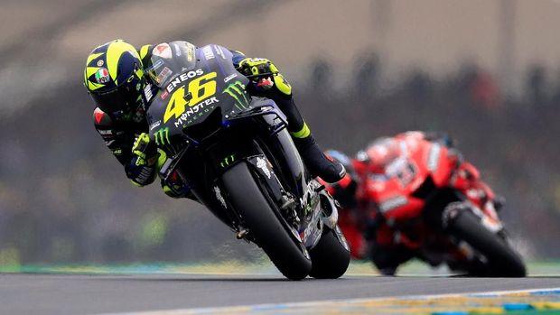 Valentino Rossi masih berada di posisi kelima. (