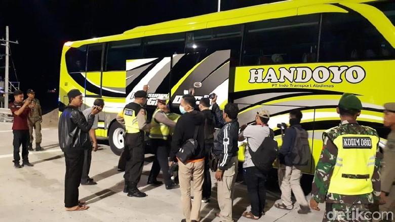 Pascapenangkapan Terduga Teroris, Polisi Gelar Razia di Gerbang Tol Nganjuk