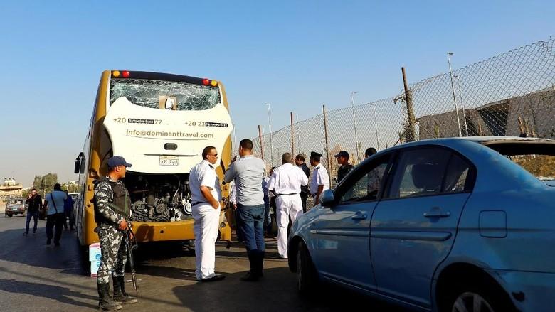 Bus Pariwisata di Mesir Dibom, 12 Turis Asing Terluka