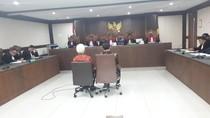 Terbukti Suap Pejabat Kemenpora, Sekjen KONI Divonis 2 Tahun 8 Bulan Bui