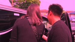 Toyota Vellfire Baru dari Baim Wong untuk Paula Verhoeven