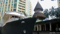 Melihat Lebih Dekat Keunikan Masjid Perahu di Kasablanka