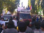 Massa AMPD Tuntut Hitung Ulang Hasil Pemilu di Depan Umum