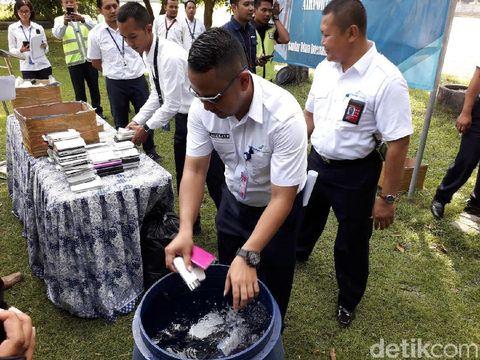 AP I Musnahkan 2.779 Barang Sitaan dari Penumpang di Bandara Yogya