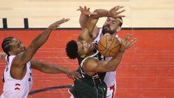 Raptors Kalahkan Bucks Lewat 2 OT, Perkecil Ketinggalan