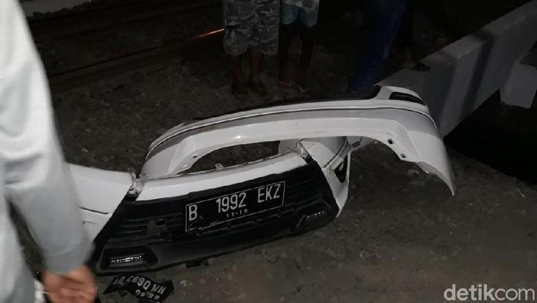 Benarkah Tabrakan KA Jayakarta di Solo Akibat Palang Tak Menutup?