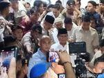 Jam Besuk Habis, Prabowo Ditolak Temui Eggi Sudjana