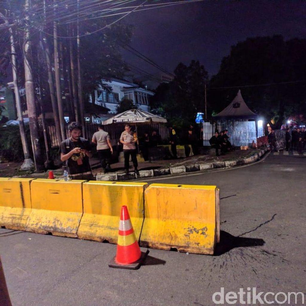 Video: Rekapitulasi Suara Nyaris Finis, Jalan Depan KPU Ditutup