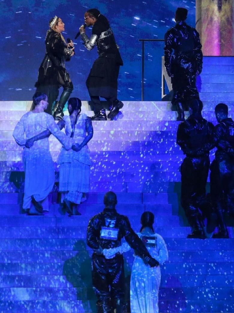 Ada Bendera Palestina Saat Penampilan Madonna di Eurovision, Israel Geram