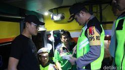 Polisi Geledah Barang Bawaan yang Dicurigai Dibawa untuk Aksi 22 Mei