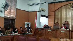 Diwarnai Protes Pengacara, Praperadilan Sofyan Basir Ditunda 17 Juni