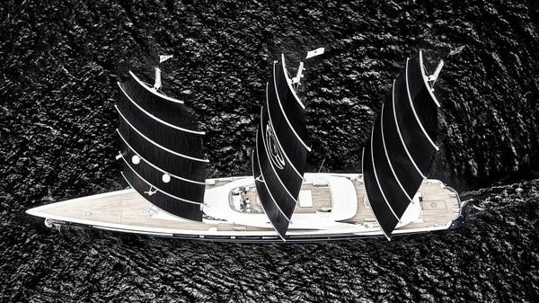 Pemenang utama World Superyacht Awards 2019 adalah superyacht Black Pearl yang memiliki panjang 60 meter yang berasal dari Oceanco (Foto: CNN)