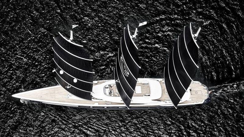 Kapal pesiar ini mampu melakukan perjalanan di Samudra Atlantik tanpa bahan bakar, tapi juga memiliki mesin bersistem hibrida, perpaduan diesel dan listrik (CNN)