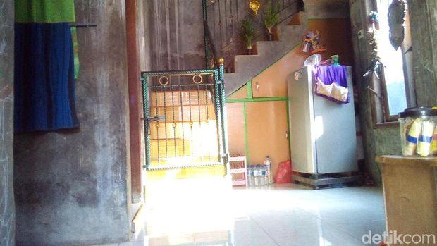 Rumah pengamen Wulan di Kudus.