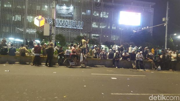 Situasi terkini di  Bawaslu, Jl MH Thamrin, Jakpus