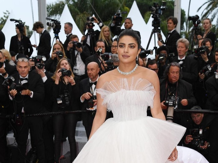 CANNES, FRANCE - MAY 20: Aishwarya Rai attends the screening of La Belle Epoque during the 72nd annual Cannes Film Festival on May 20, 2019 in Cannes, France. (Photo by Vittorio Zunino Celotto/Getty Images)