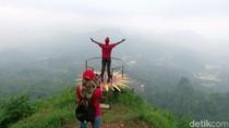 Foto Tempat Ngabuburit di Purworejo: Puncak Khayangan Sigendol