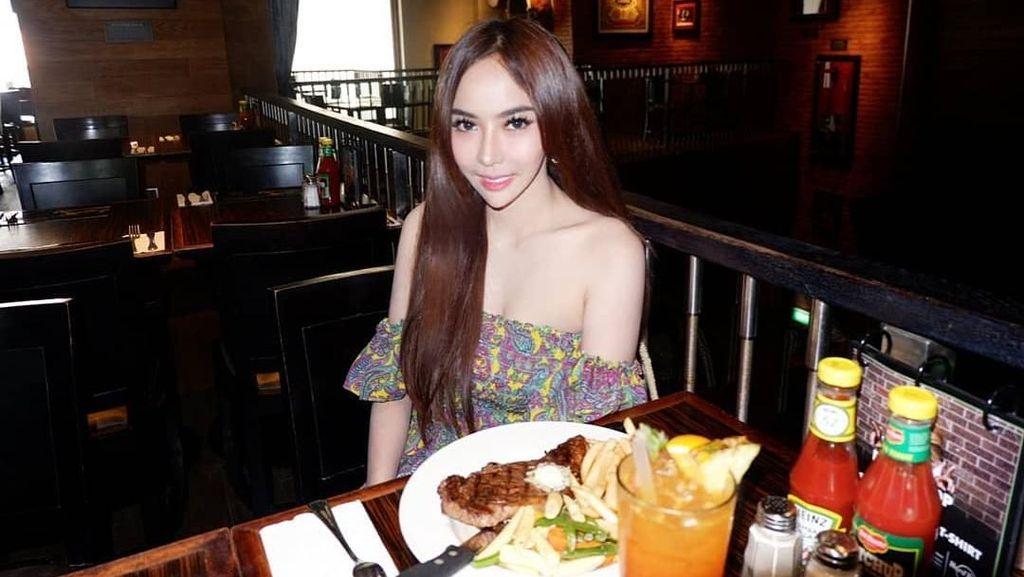 Makan Steak di Bali hingga Ngeteh di Macau, Kulineran Teman Dekat Guntur Triyoga