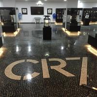 Bagian dalam Museu CR7 cukup luas, fans CR7 pasti dibuat terkesima dengan prestasi-prestasi idolanya (Instagram/museucr7funchal)