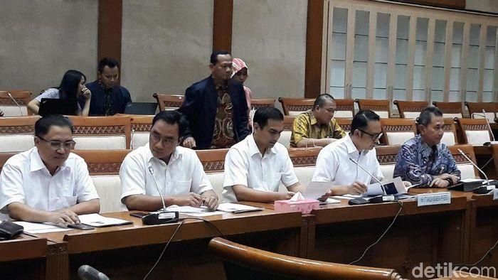Direksi Garuda rapat dengan Komisi VI DPR/Foto: Danang Sugianto