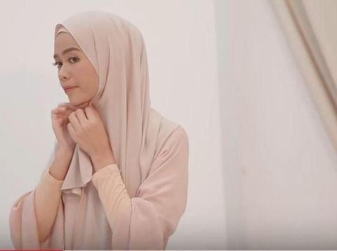 Tutorial Hijab Syar'i untuk Lebaran, Cocok Dipadukan dengan Dress