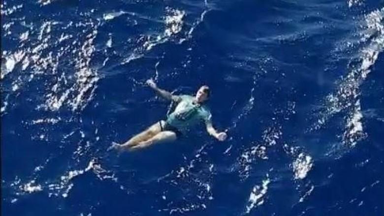 Arne selamat berkat celana jeans (dok. Maritime NZ)