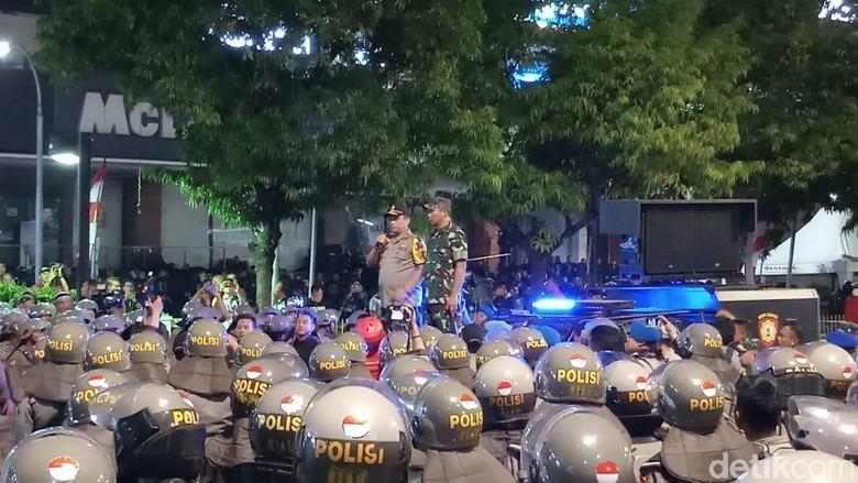 Kapolda dan Pangdam Jaya Apresiasi Personel Pengamanan Demo