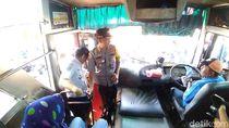 Polrestabes Surabaya Tes Urine Sopir Bus Jelang Mudik