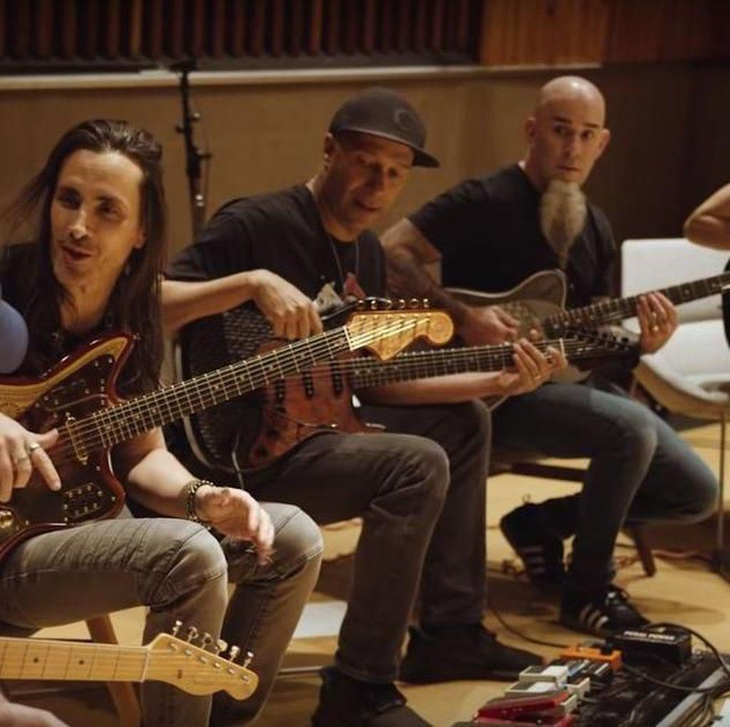 Gitaris Audioslave dan Anthrax Cicipi Fender Game of Thrones