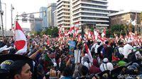 Massa Pendemo Terus Berdatangan ke Bawaslu, Siap Buka Puasa Bersama