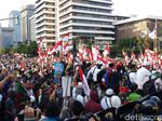 Sempat Ricuh, Polisi Dialog dengan Massa Aksi di Depan Gedung DPRD Medan