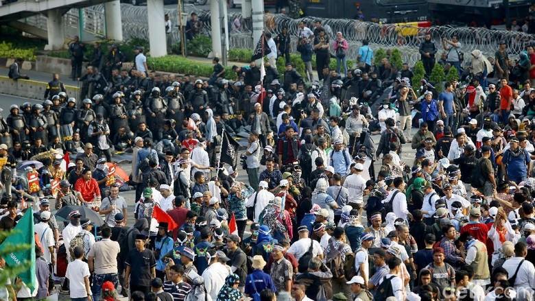 People Power dan Sumbatan Demokrasi