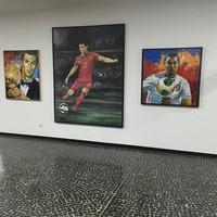 Aneka koleksi lukisan Cristiano Ronaldo juga ada di sana (Instagram/museucr7funchal)