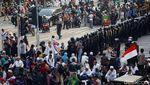 Massa Pro Prabowo Penuhi Depan Bawaslu