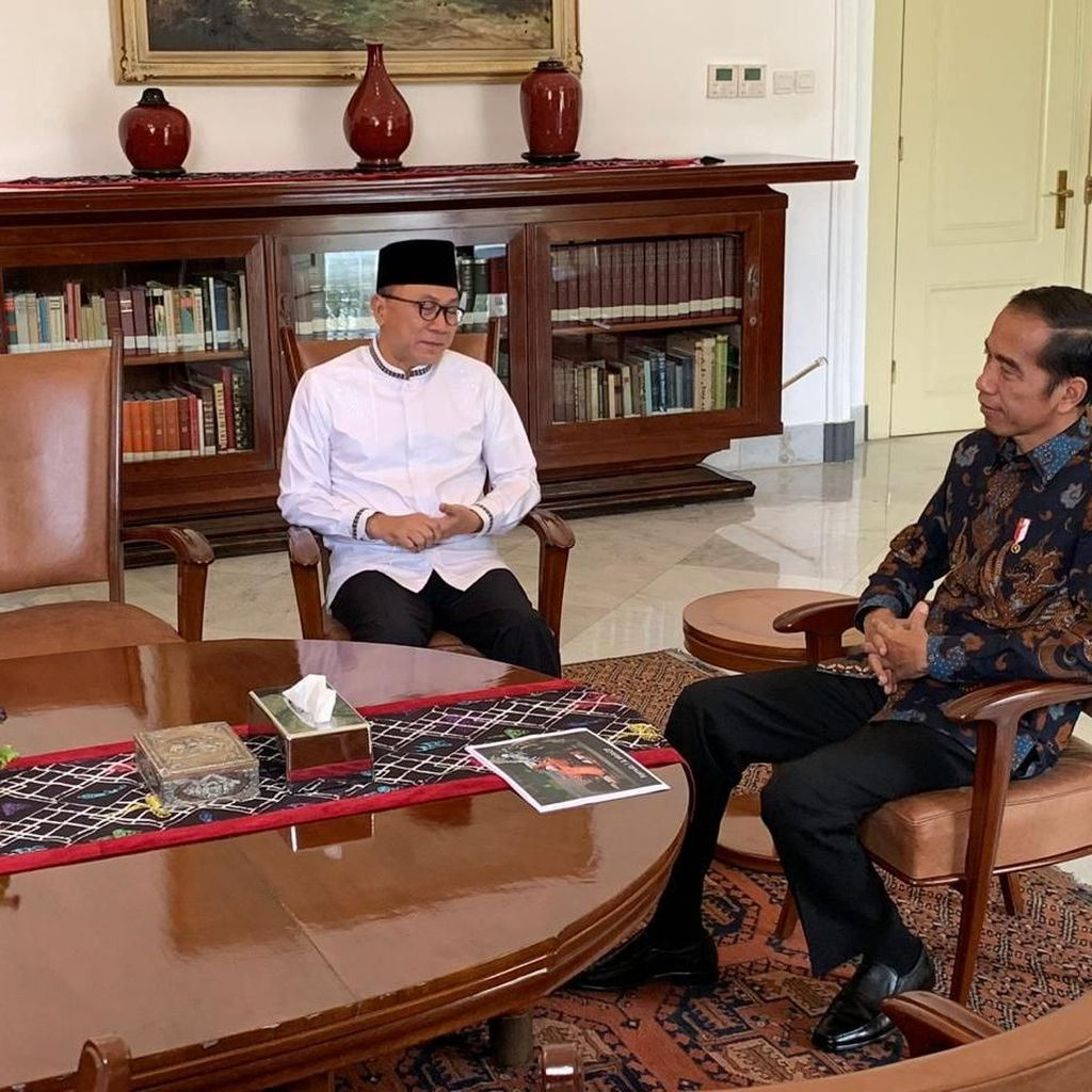 Bertemu Jokowi, Zulkifli Hasan Bantah Bahas Koalisi