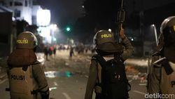165 Perusuh Ditangkap, Kapolres Jakbar: Mereka Dibayar