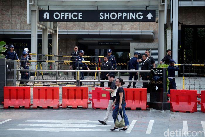 Seperti di sepanjang jalan MH Thamrin Jakarta Pusat, beberapa perkantoran dan pusat bisnis memilih untuk tutup pada Rabu (22/5/2019).