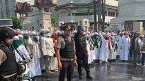 Polisi: 2 Bus Brimob Dibakar Massa di Slipi Saat Sedang Ditinggal