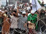 Aksi 22 Mei di Medan Belum Bubar, Massa Kepung Bawaslu Sumut